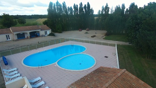 piscine du camping à taille humaine
