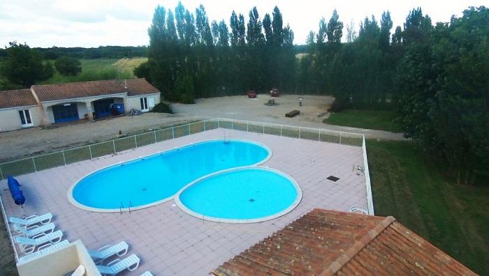 Camping proche des thermes de Jonzac  avec piscine