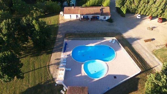 Camping pas cher avec piscine proche Cognac