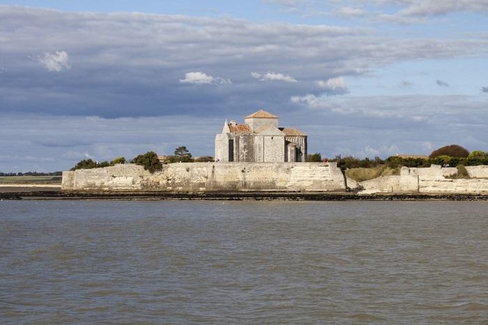 Vue de Talmont sur Gironde situé près du camping